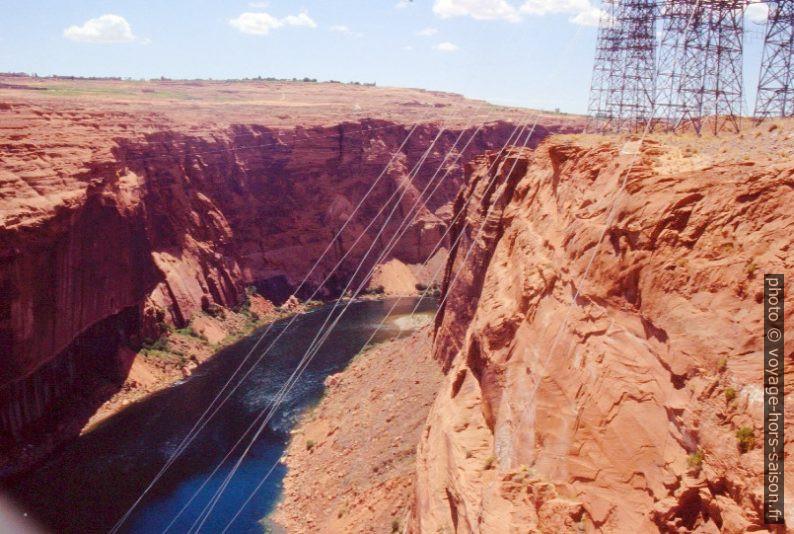 Vue du Colorado River en aval du Glen Canyon Dam. Photo © André M. Winter
