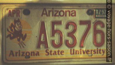 Plaque de l'Arizona State University. Photo © André M. Winter