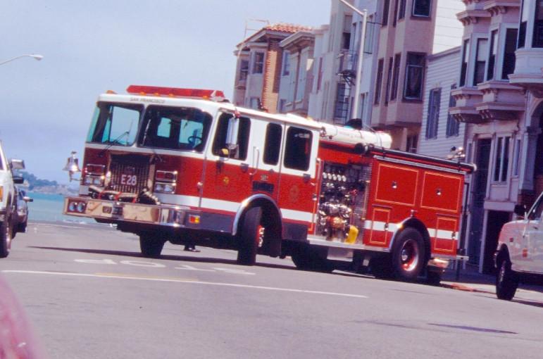 Camion de pompier américain à San Francisco. Photo © André M. Winter