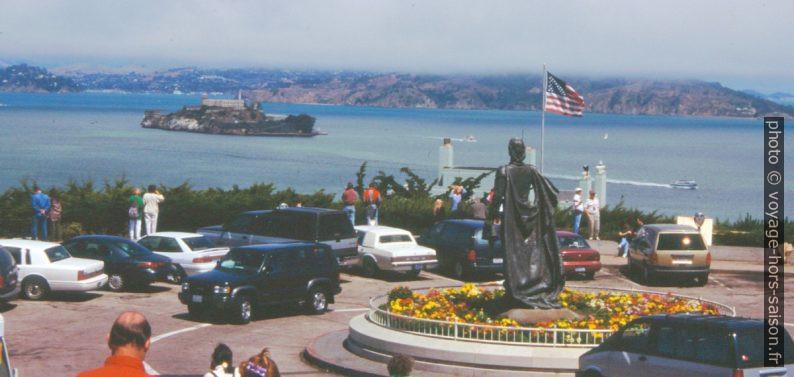 L'île d'Alcatraz vue du Telegraph Hill. Photo © André M. Winter