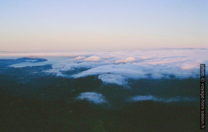 Vue sur San Francisco sous les nuages. Photo © André M. Winter