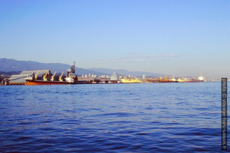 Le port de North Vancouver. Photo © André M. Winter