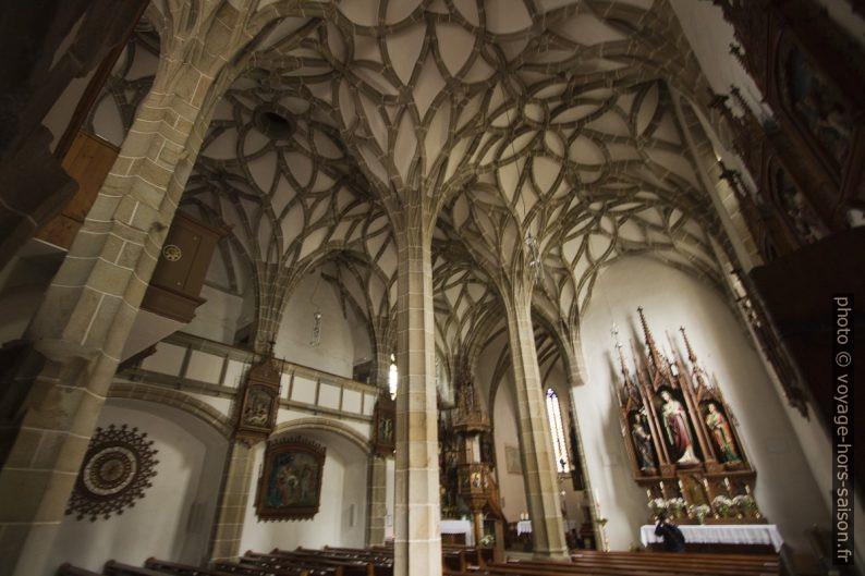 Voûtes à nervures curvilignes de la Marienkirche à Königswiesen. Photo © André M. Winter