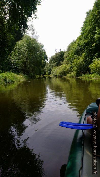 En canoë sur la rivière Purzelkamp peu après son arrivé dans le lac Ottensteiner Stausee. Photo © André M. Winter