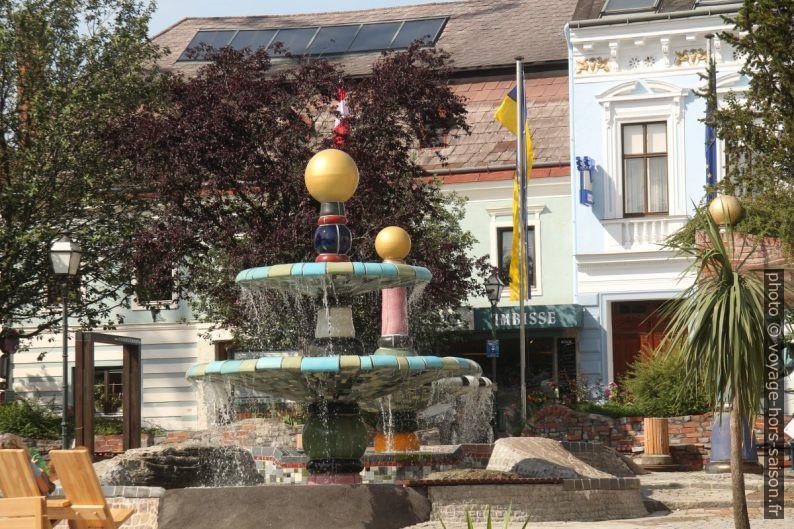 Fontaine Hundertwasserbrunnen à Zwettl. Photo © André M. Winter