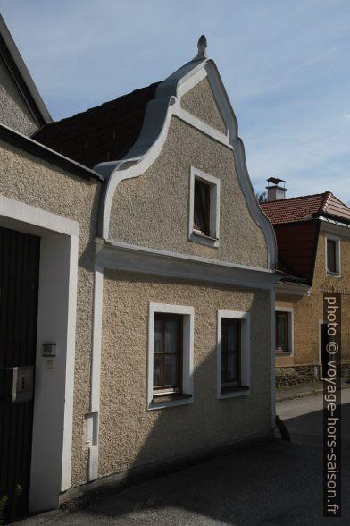 Kleines altes Haus in Zwettl. Photo © Alex Medwedeff