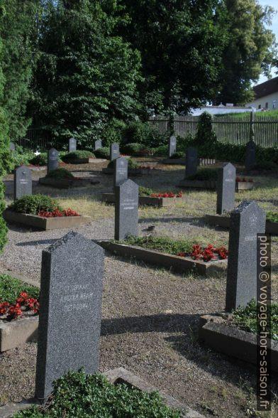 Pierres tombales du cimetière russe à Zwettl. Photo © Alex Medwedeff