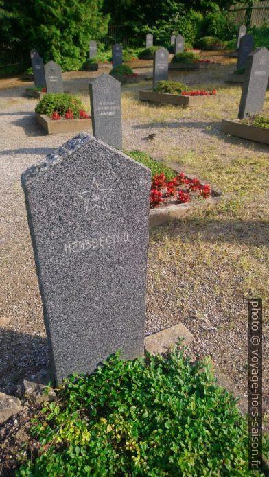 Soldat inconnu sur le cimetière russe à Zwettl. Photo © André M. Winter