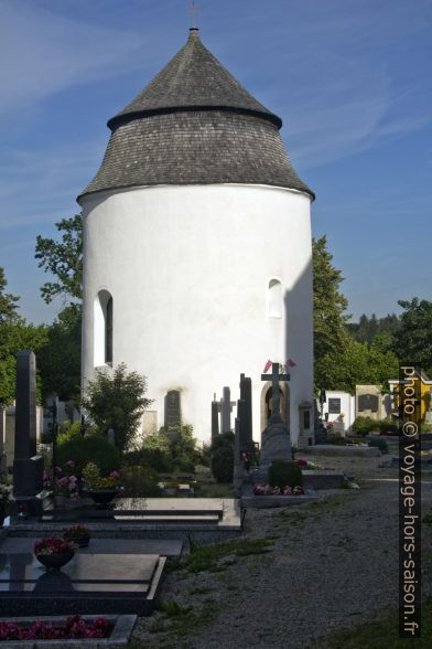 L'ossuaire circulaire de Zwettl. Photo © André M. Winter