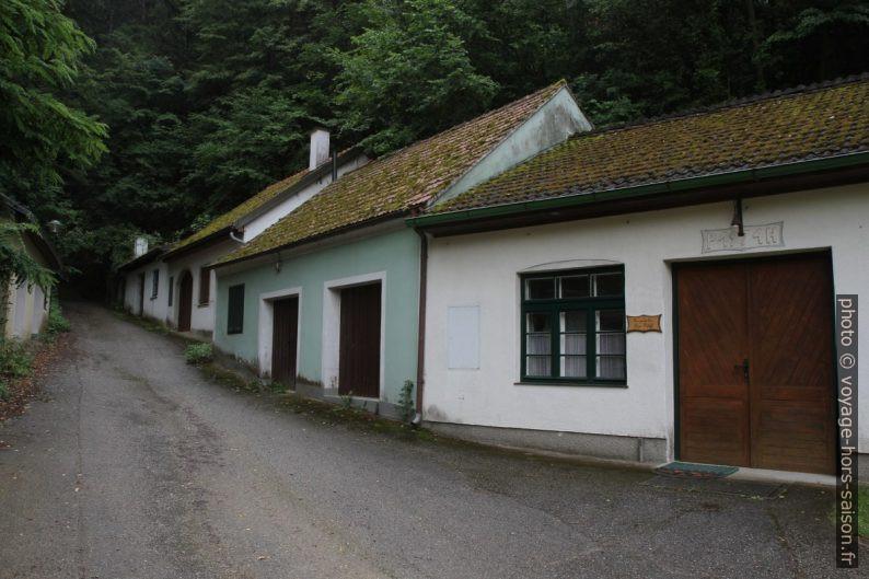 Rue latérale à l'Eichberger Kellergasse. Photo © Alex Medwedeff