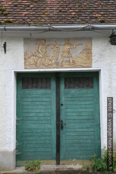 Porte d'une maison à presse de l'Eichberger Kellergasse. Photo © Alex Medwedeff
