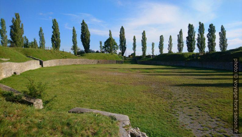 L'amphithéâtre romain civil de Carnuntum. Photo © André M. Winter