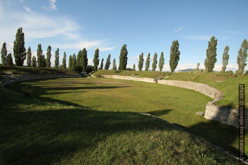 Amphithéâtre romain civil de Carnuntum. Photo © André M. Winter
