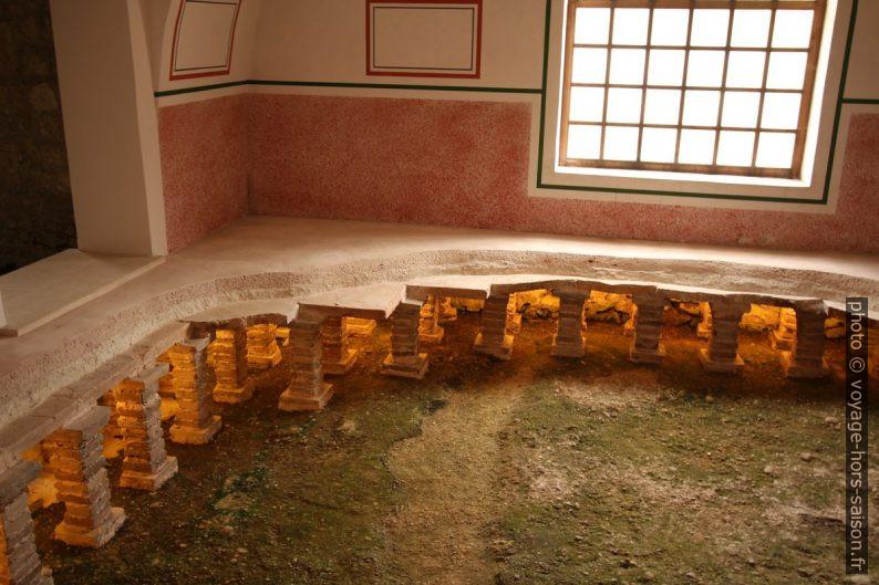 Détail du chauffage au sol des petites thermes de Carnuntum. Photo © André M. Winter