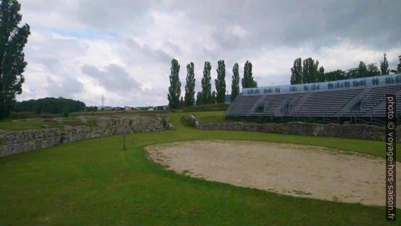 L'amphithéâtre de la ville militaire de Carnuntum. Photo © André M. Winter
