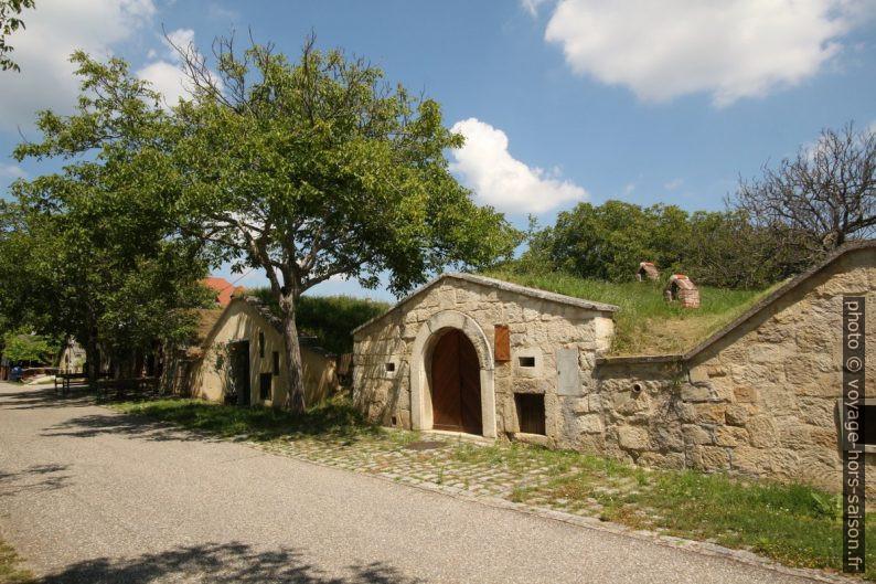 Caves à vin du Kellerplatz à Purbach. Photo © André M. Winter