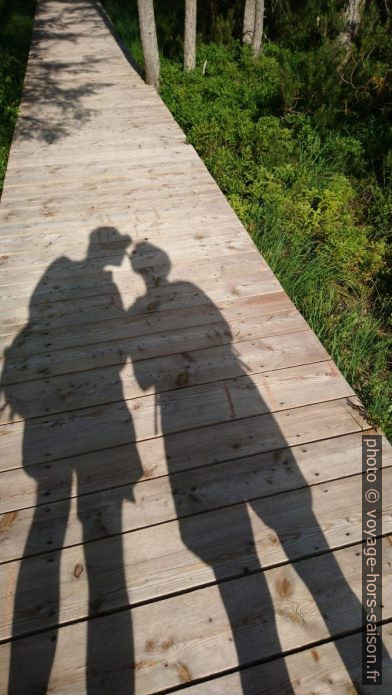 Les ombres d'André et d'Alex. Photo © André M. Winter