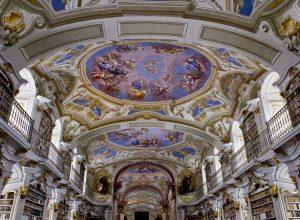 Fresques du plafond de la bibliothèque d'Admont. Photo © Alex Medwedeff