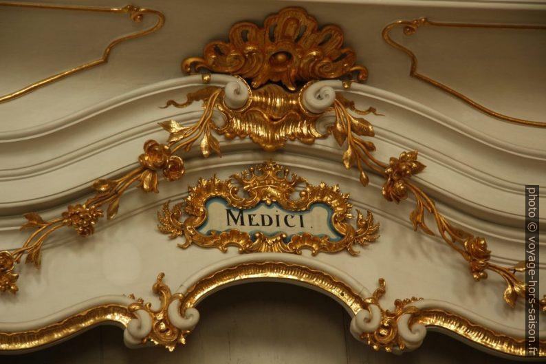 """Étagère de livres """"medici"""" de la bibliothèque baroque d'Admont. Photo © André M. Winter"""