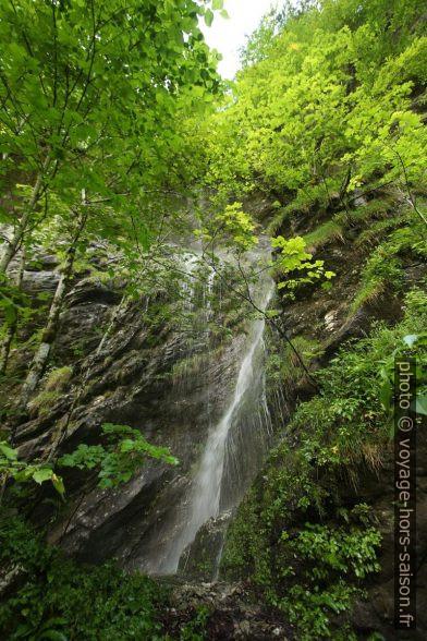 Petite cascade dans la vallée Bluntautal. Photo © André M. Winter