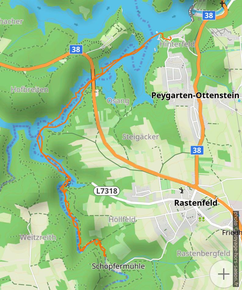 Carte et tracé GPS en canoë sur le Purzelkamp. Photo © André M. Winter