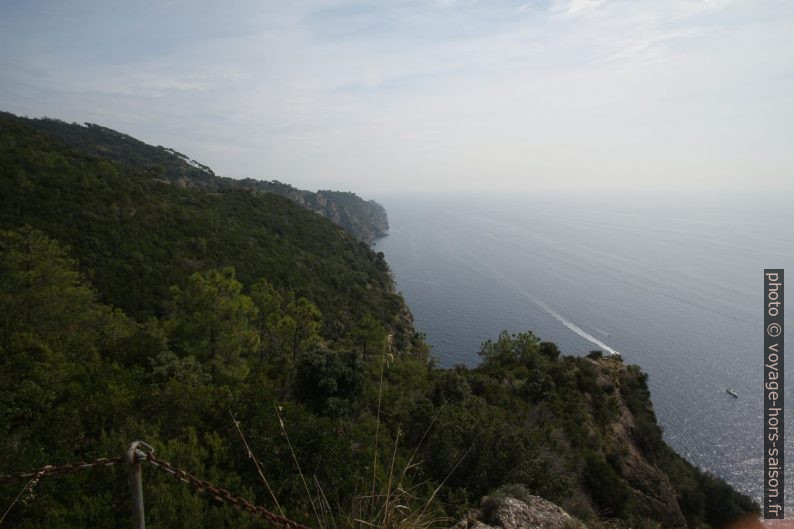 Vue de la Base Zero sur la Punta Carega et le promontoire de Portofino. Photo © André M. Winter