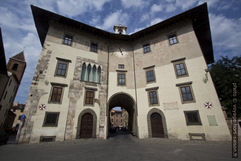 Il Palazzo dell'Orologio. Photo © André M. Winter