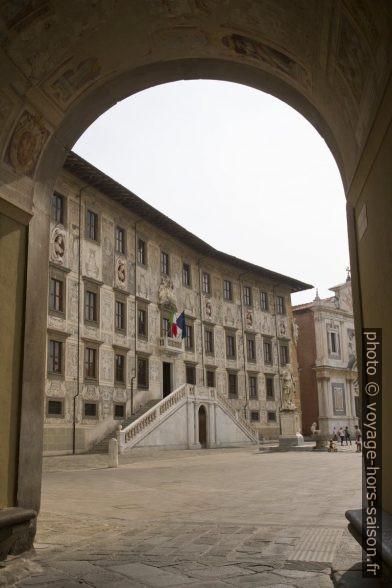 Vue retour du passage vers le Palazzo della Carovana. Photo © Alex Medwedeff