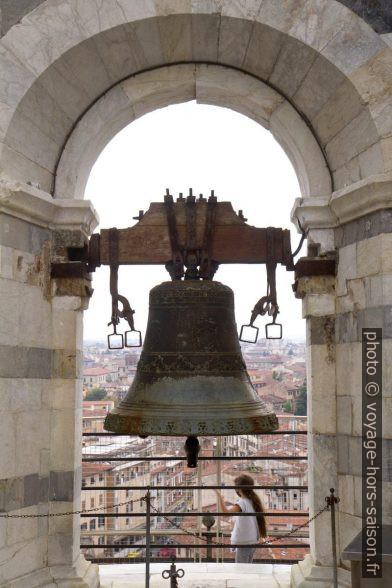 Une cloche du dernier étage de la Tour de Pise. Photo © Alex Medwedeff