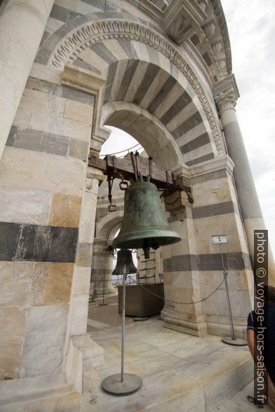 Une cloche du dernier étage de la Tour de Pise. Photo © André M. Winter