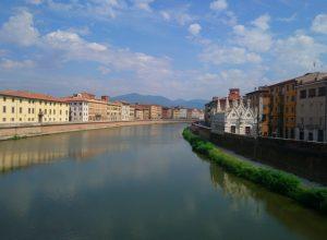 L'Arno vu en direction amont du Ponte Solferino. Photo © André M. Winter