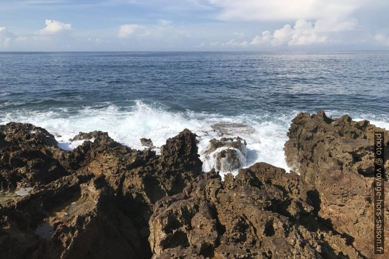 La mer à la Punta Righini. Photo © Alex Medwedeff