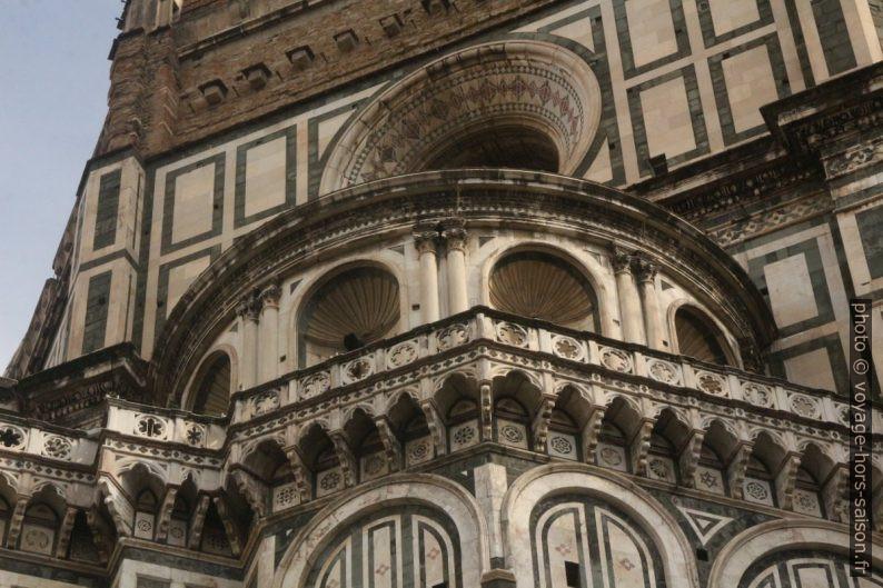 Détail de la base de la coupole de la cathédrale de Florence. Photo © André M. Winter