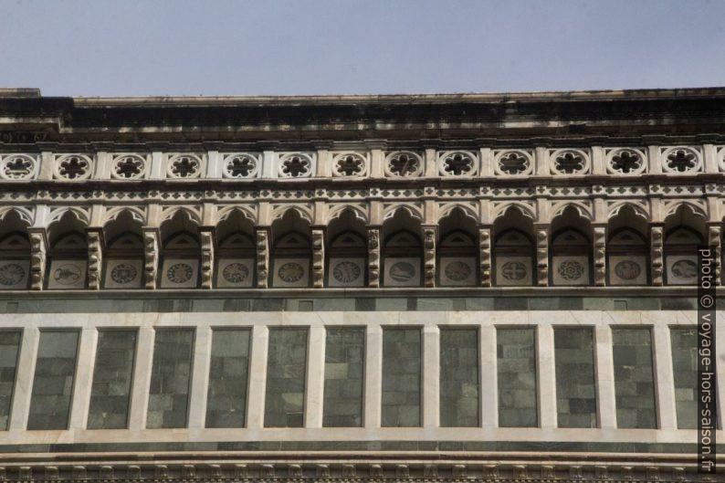 Détail de la façade sud de la cathédrale de Florence. Photo © André M. Winter
