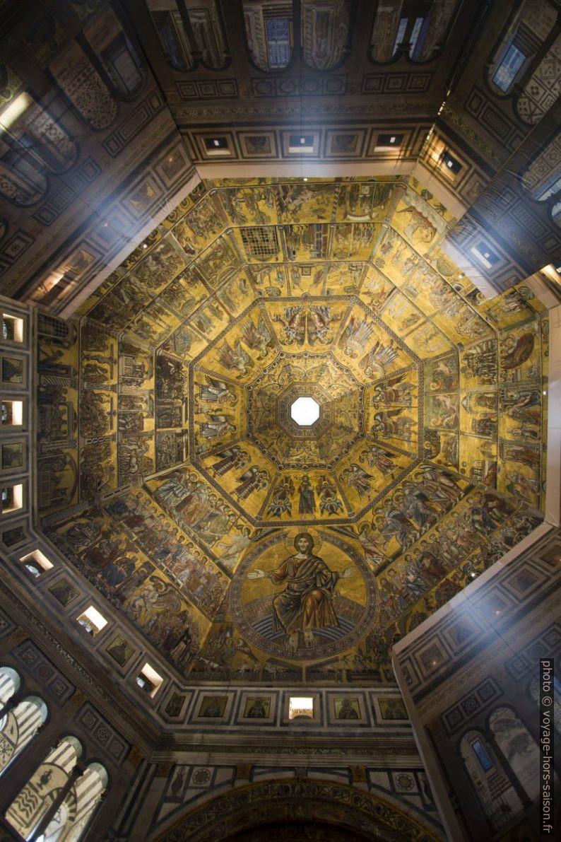 Mosaïque du plafond pyramidal du Baptistère de Florence. Photo © André M. Winter