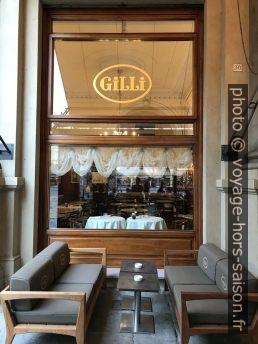 Terrasse du Café Gilli à Florence. Photo © Alex Medwedeff