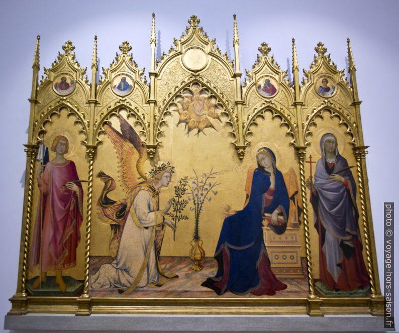 Annunciazione tra i santi Ansano e Margherita di Simone Martini e Lippo Memmi, 1333. Photo © André M. Winter