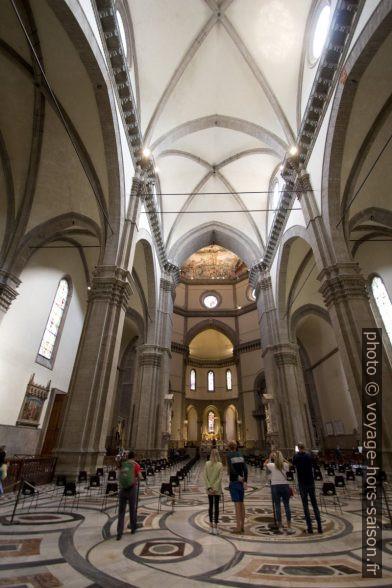 Vue de la nef de la cathédrale de Florence. Photo © André M. Winter