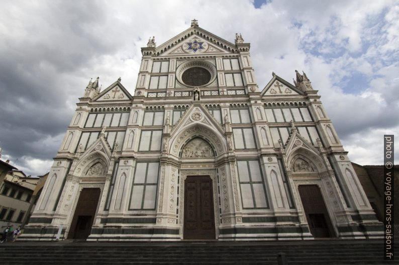 Façade principale de la Basilique Santa Croce. Photo © André M. Winter