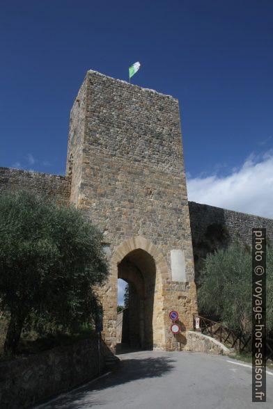 La Porta Franca di Monteriggioni. Photo © Alex Medwedeff