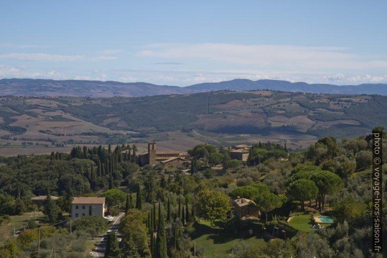 Paysage toscan autour de Montalcino. Photo © Alex Medwedeff