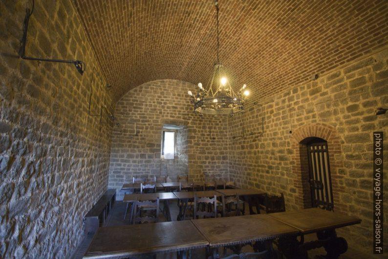 Une chambre de l'Enoteca la Fortezza di Montalcino. Photo © André M. Winter