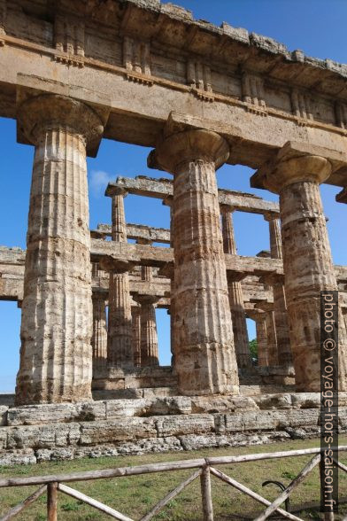 Colonnes du Temple de Poséidon de Paestum. Photo © André M. Winter