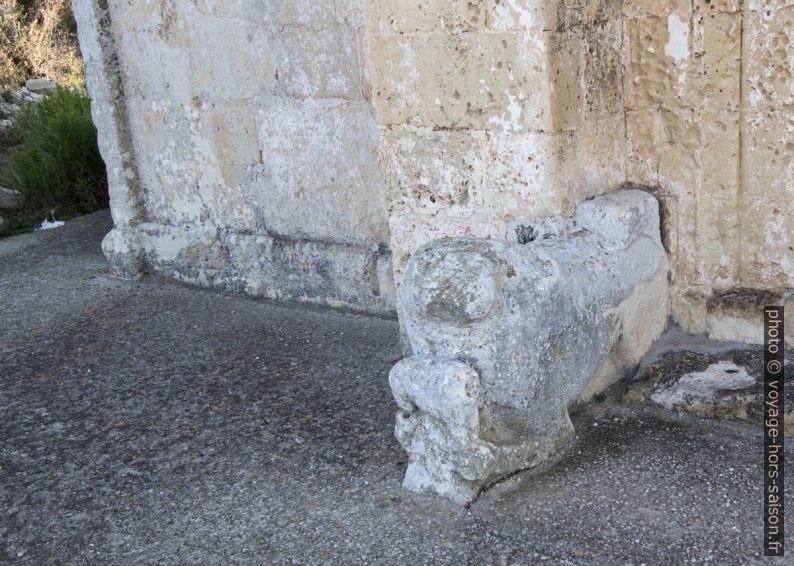 Lion-gardien à l'entrée de la Chiesa Santa Maria d'Aurio. Photo © André M. Winter