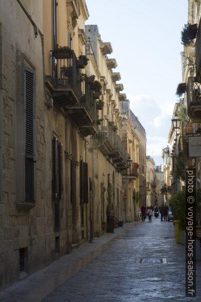 La Via Giuseppe Palmieri à Lecce. Photo © Alex Medwedeff