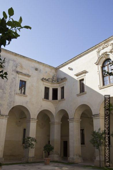 Cloitre du Museo di Arte Sacra. Photo © André M. Winter