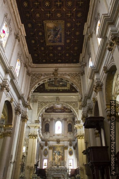 Nef de la cathédrale de Lecce. Photo © Alex Medwedeff