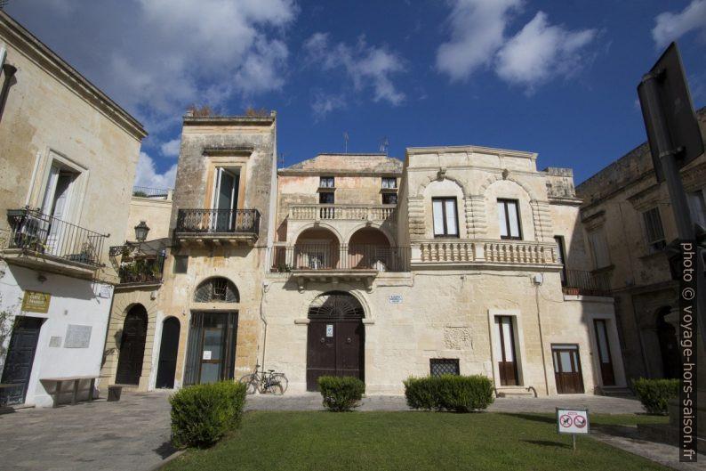 Palais de la Piazzetta Raimondello Orsini. Photo © André M. Winter