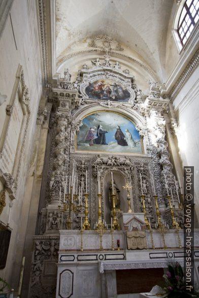 Retable baroque du chœur de la Chiesa di Santa Chiara di Lecce. Photo © André M. Winter