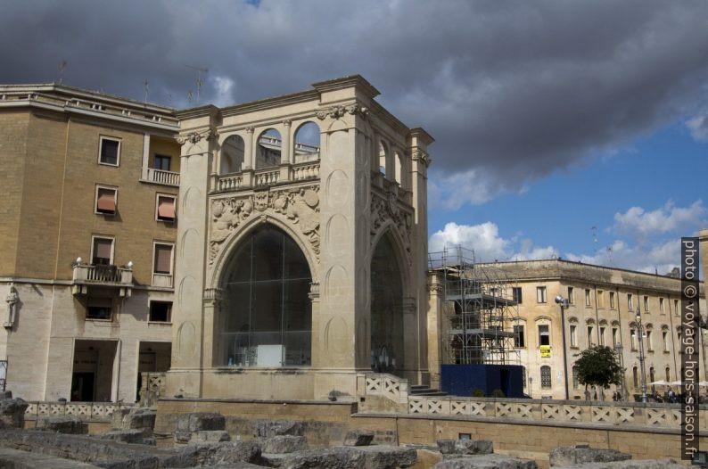 Il Sedile et l'Amphithéâtre Romain de Lecce. Photo © André M. Winter